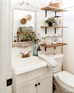 Popular Farmhouse Small Bathroom Decorating Ideas 21