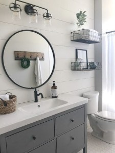 Popular Farmhouse Small Bathroom Decorating Ideas 29