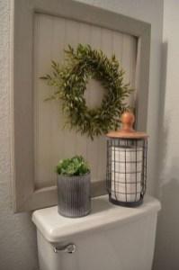 Popular Farmhouse Small Bathroom Decorating Ideas 30