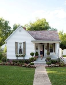 Popular Small Farmhouse Design Ideas To Style Up Your Home 42