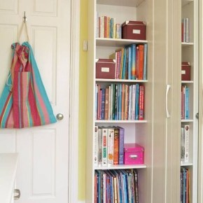 Cozy Bookcase Ideas For Kids Room 43