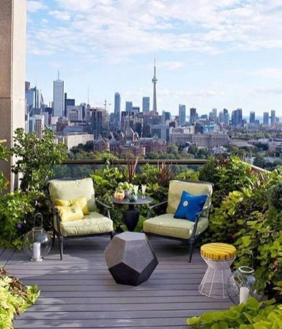 Stunning Roof Terrace Decorating Ideas That You Should Try 38