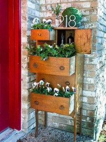 Unique Old Furniture Repurposing Ideas For Yard And Garden 19