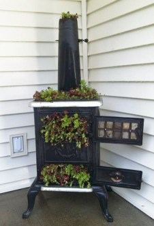 Unique Old Furniture Repurposing Ideas For Yard And Garden 28