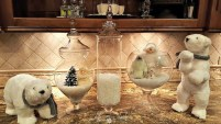 Best Home Decoration Ideas With Snowflakes And Baubles 11