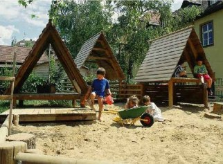 Captivating Treehouse Ideas For Children Playground 32