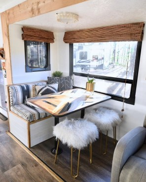 Extraordinary Interior Rv Living Ideas To Try Now 24