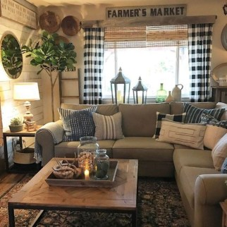 Fancy Farmhouse Living Room Decor Ideas To Try 16