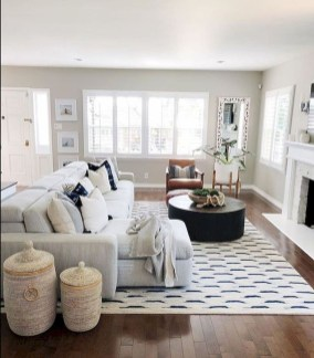 Fancy Farmhouse Living Room Decor Ideas To Try 30