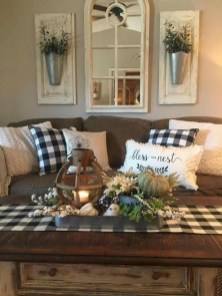 Fancy Farmhouse Living Room Decor Ideas To Try 42