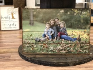 Fascinating Wood Photo Frame Ideas For Antique Home 33