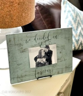 Fascinating Wood Photo Frame Ideas For Antique Home 49