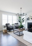 Hottest Farmhouse Living Room Decor Ideas That Looks Cool 23