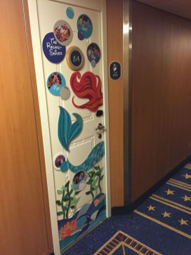 Lovely Doors Decoration Ideas You Need To Try 09