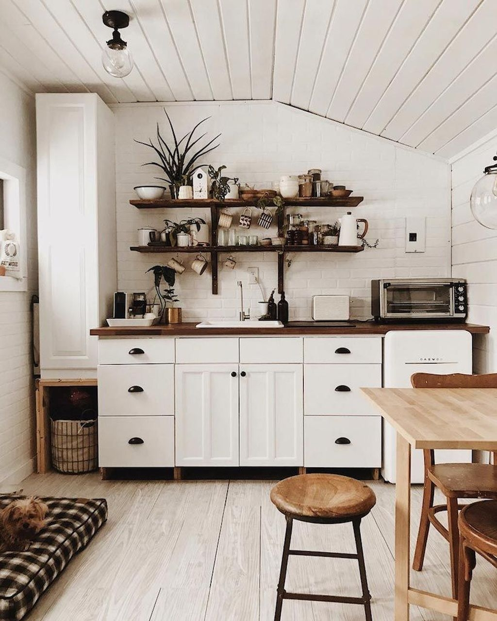 Minimalist Small Space Home Décor Ideas To Inspire You 52
