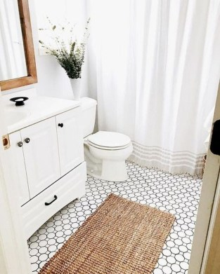 Splendid Small Bathroom Remodel Ideas For You 42