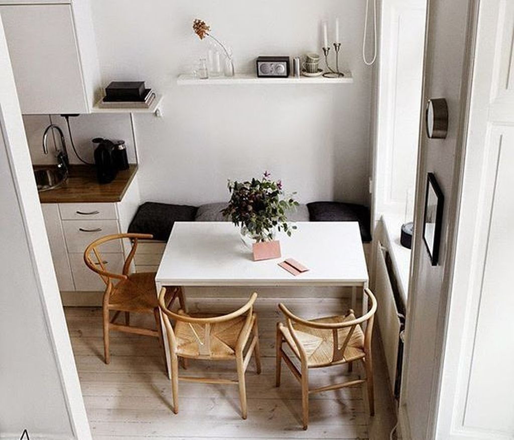 Trendy Dining Table Design Ideas That Looks Amazing 14