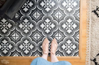 Unusual Diy Painted Tile Floor Ideas With Stencils That Anyone Can Do 15