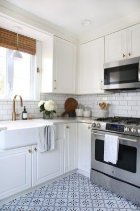 Unusual White Kitchen Design Ideas To Try 08