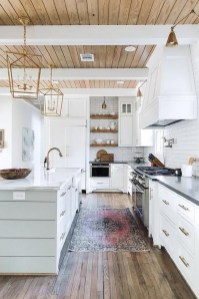 Unusual White Kitchen Design Ideas To Try 20