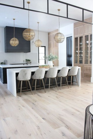 Unusual White Kitchen Design Ideas To Try 29