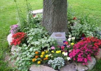 Adorable Flower Beds Ideas Around Trees To Beautify Your Yard 48