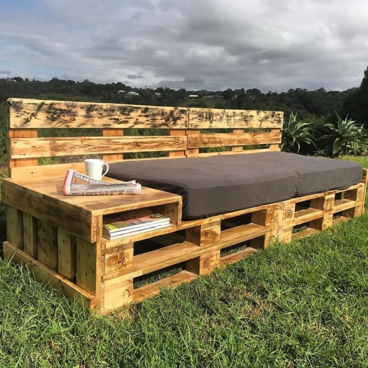Casual Diy Pallet Furniture Ideas You Can Build By Yourself 15