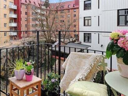 Casual Small Balcony Design Ideas For Spring This Season 14