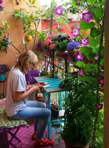 Casual Small Balcony Design Ideas For Spring This Season 23