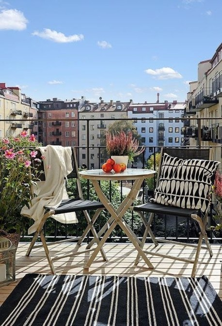 Casual Small Balcony Design Ideas For Spring This Season 52