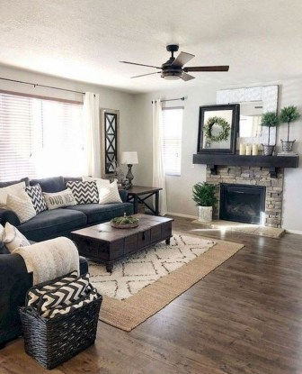 Catchy Farmhouse Decor Ideas For Living Room This Year 36