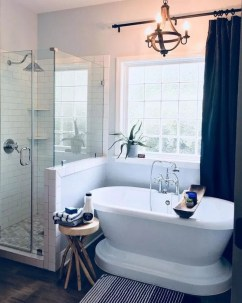 Chic Farmhouse Bathroom Desgn Ideas With Shower 29