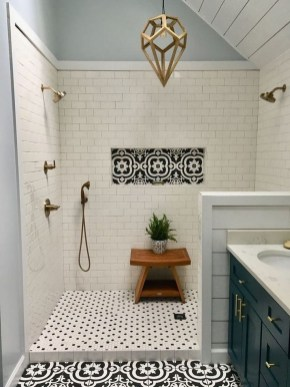 Chic Farmhouse Bathroom Desgn Ideas With Shower 41