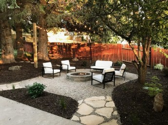Classy Backyard Makeovers Ideas On A Budget To Try 36