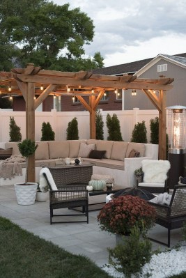 Elegant Backyard Patio Design Ideas For Your Garden 32