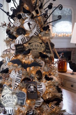 Hottest Halloween Decorating Ideas To Try Now 34