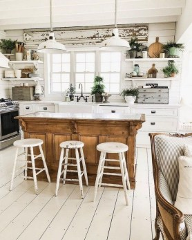 Latest Farmhouse Kitchen Décor Ideas On A Budget 43