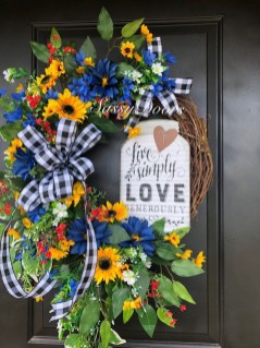 Newest Front Door Wreath Decor Ideas For Summer 11