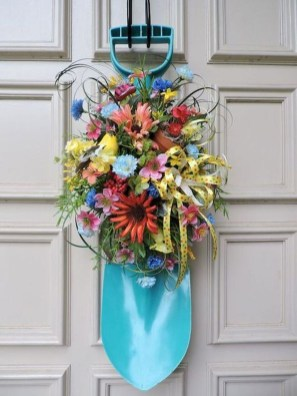 Newest Front Door Wreath Decor Ideas For Summer 27