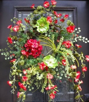 Newest Front Door Wreath Decor Ideas For Summer 35