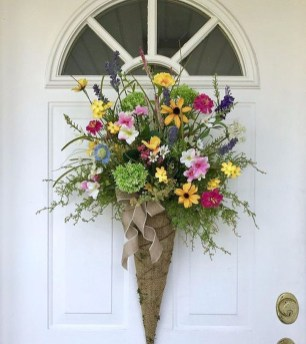 Newest Front Door Wreath Decor Ideas For Summer 36