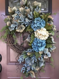 Newest Front Door Wreath Decor Ideas For Summer 53