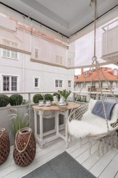 Amazing Balcony Design Ideas On A Budget 03