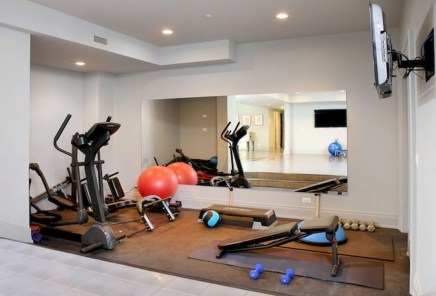 Astonishing Home Gym Room Design Ideas For Your Family 04