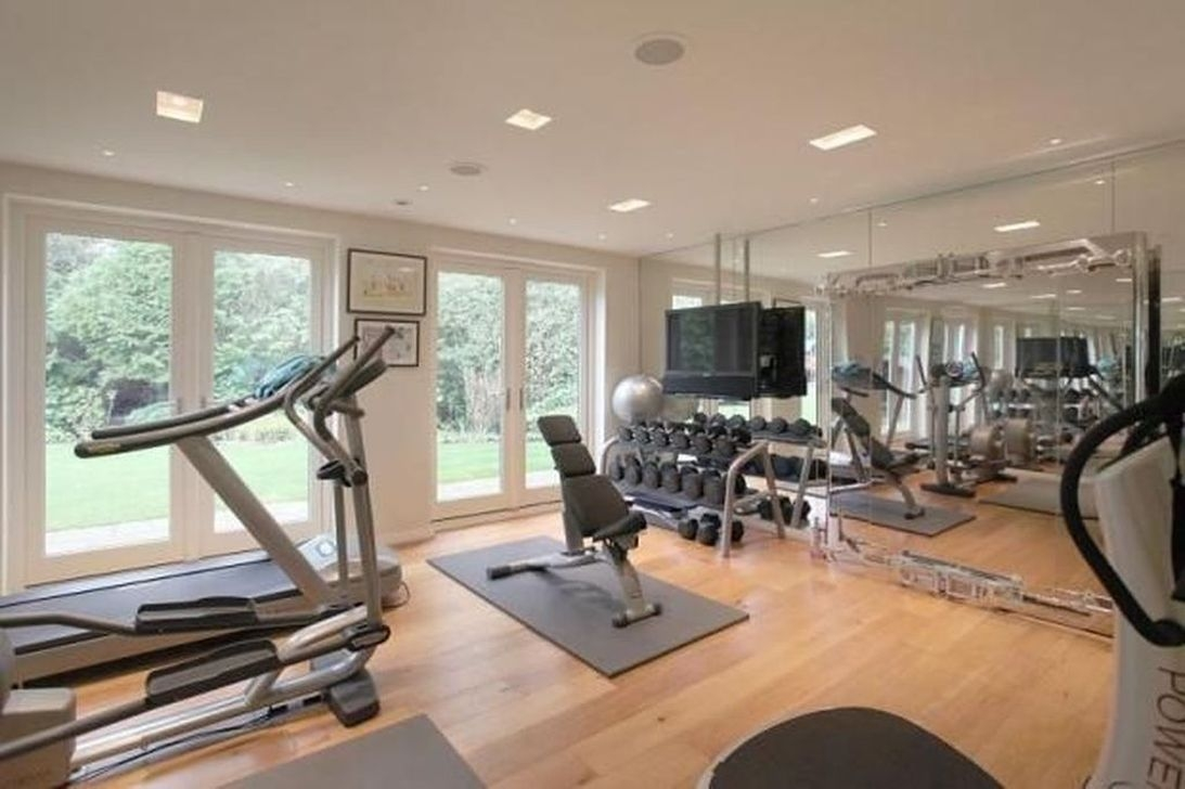 Astonishing Home Gym Room Design Ideas For Your Family 29