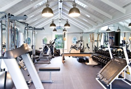 Astonishing Home Gym Room Design Ideas For Your Family 44