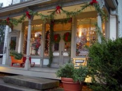 Awesome Christmas Farmhouse Porch Décor Ideas 09