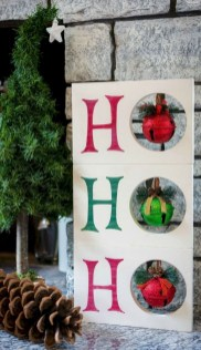 Charming Outdoor Décor Ideas For Christmas To Try 33