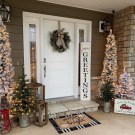 Charming Outdoor Décor Ideas For Christmas To Try 34