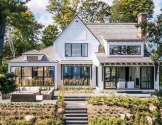 Cute Farmhouse Exterior Design Ideas That Inspire You 02